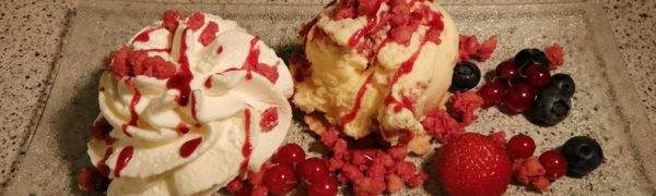 """""""Eis des Monats"""" August 2020: Cheesecake Red Berry Crumbolé"""